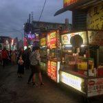 Otros puestos callejeros en el mercado nocturno