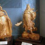 Figuras de madera en exposición en el Museo Toucheng