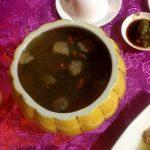 Una sopa de vegetales y setas